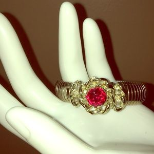 Retro goldtone red faceted glass stretch bracelet
